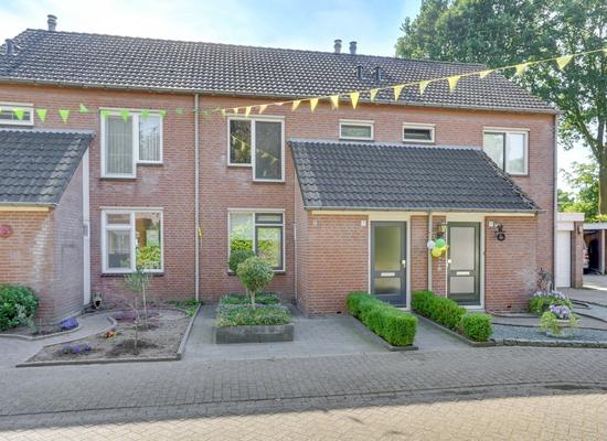 Past. Van Der Sterrenstraat 7 in Grashoek 5985 RZ