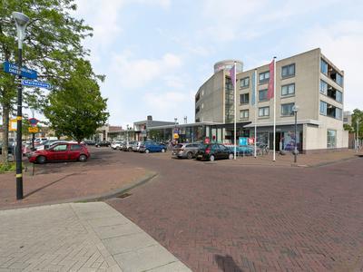 Lakenburg 10 in Hoofddorp 2135 DL