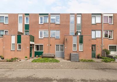 Paddestoelweg 15 in Alphen Aan Den Rijn 2403 HE