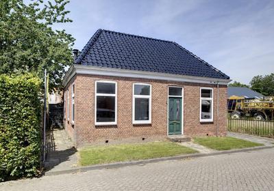 M.H. Trompstraat 1 in Roodeschool 9983 PN
