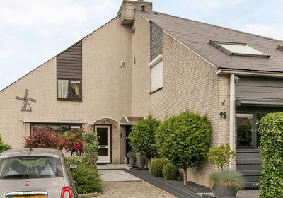 Watermolen 96 in Ridderkerk 2986 EV