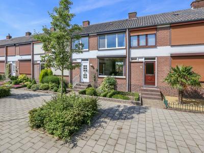 Oude Heerweg 179 in Velden 5941 EL