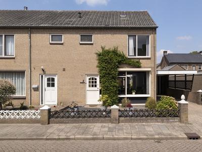 Zwarte Hofstraat 2 in Doornenburg 6686 CR
