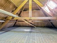 Indeling 2e verdieping:<BR>Middels vaste trap bereikbare zolderruimte.