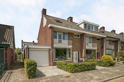 Gruttosingel 33 in Capelle Aan Den IJssel 2903 EE