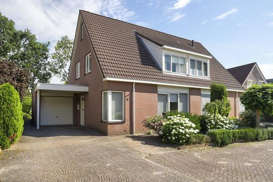 Van Der Helststraat 4 in Ommen 7731 SB