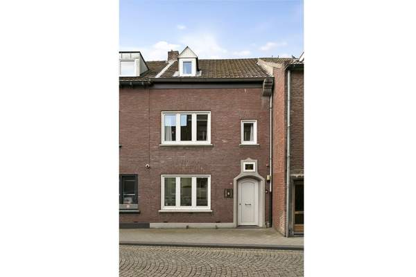 Wycker Grachtstraat 44 in Maastricht 6221 CX