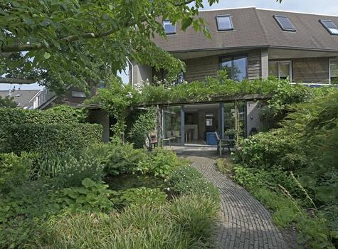 Zwanebloem 26 in Reeuwijk 2811 RH