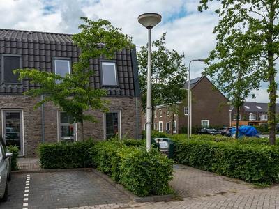 Madelief 28 in Bodegraven 2412 AJ