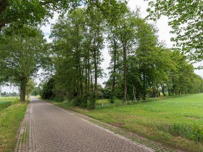 Landeweerweg 3 in Halle 7025 DB