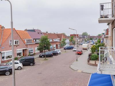 Sparrenstraat 4 in IJmuiden 1971 NP