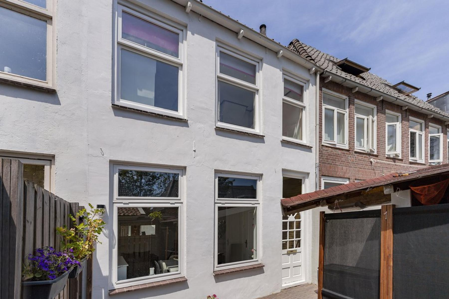 Hoogstraat 2 in Kampen 8261 KW