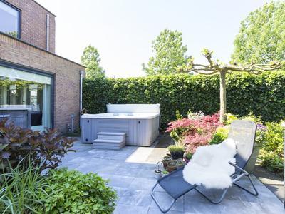 Herfstpark 17 in Nieuw-Vennep 2152 EA