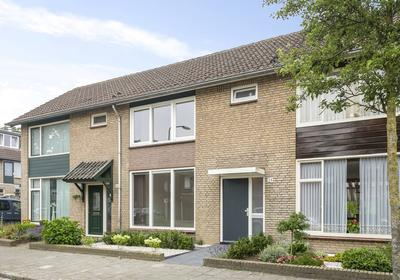 Kamillestraat 34 in Beek En Donk 5741 VP