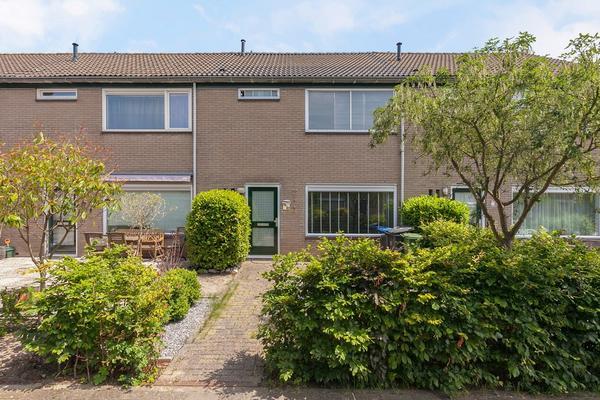 Karveel 15 82 in Lelystad 8231 AZ