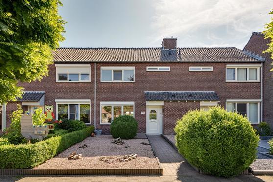 Akker 23 in Heythuysen 6093 EK