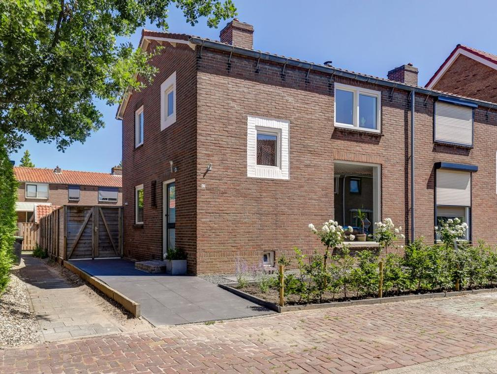Koningin Julianastraat 47 in Hardinxveld-Giessendam 3372 EB