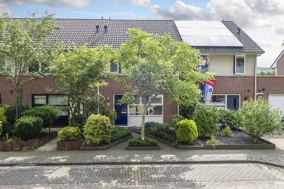 Brouwhuissedijk 64 in Helmond 5704 AB