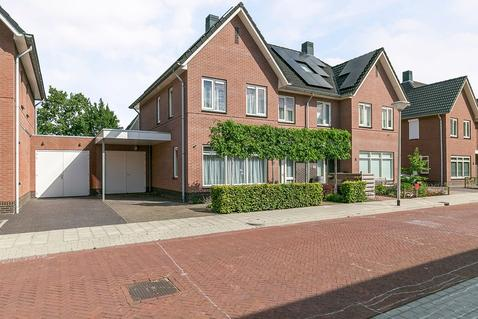 Maisveld 5 in Staphorst 7951 XA