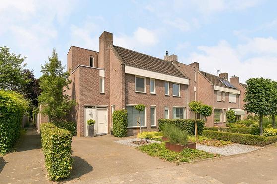 Veken 18 in Veldhoven 5501 EV