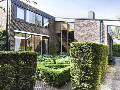 Laan Van Koot 10 B in Wassenaar 2244 AV