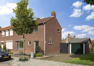 Julianastraat 29 in Moerdijk 4782 AM