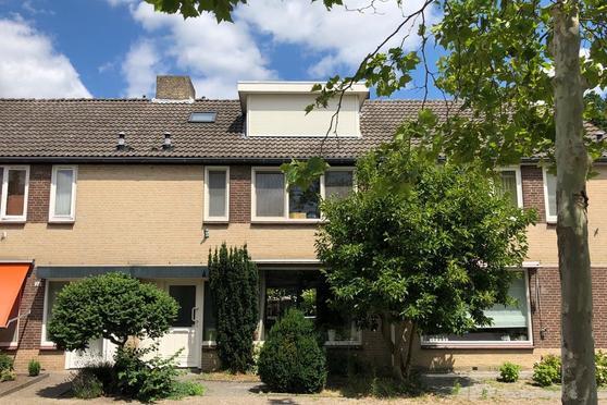 Brahmslaan 28 in Helmond 5707 RC