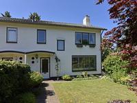 Burg. Van Holthelaan 5 in Zeist 3707 BR