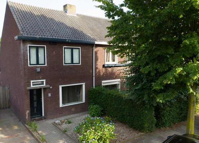 Korenbloemstraat 26 in Helmond 5701 EJ