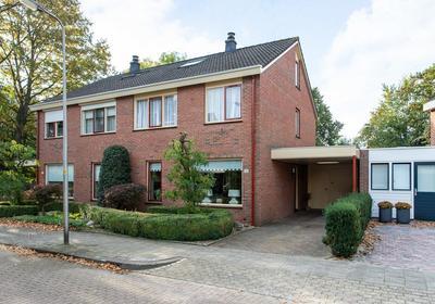 Louis Saalbornstraat 10 in Hengelo 7558 ST