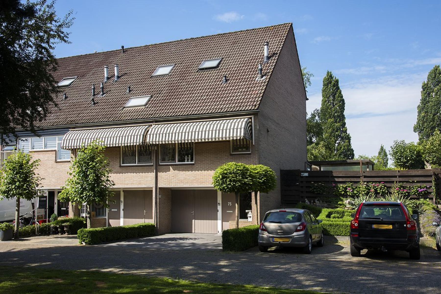 Robert Stolzstraat 75 in Hengelo 7558 CK