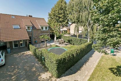 Burg.Van Randwijckstraat 42 in Rossum 5328 AV