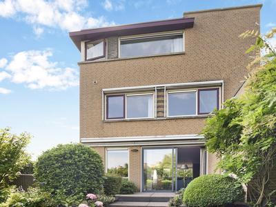 Pioen 27 in Noordwijkerhout 2211 MK