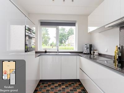 Jan Van Gelderstraat 11 in Hellevoetsluis 3223 SC