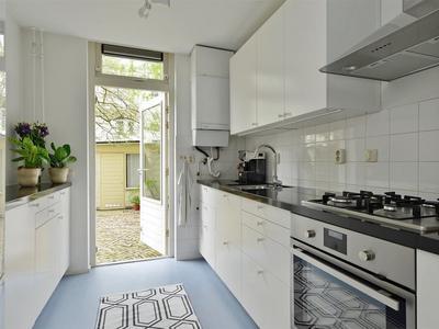 keuken richting tuin
