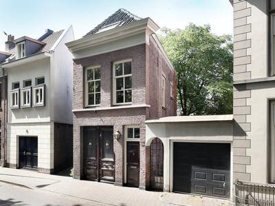 Zuid Willemsvaart 147 in 'S-Hertogenbosch 5211 SE