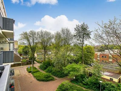 Akerwateringstraat 121 in Amsterdam 1069 GC