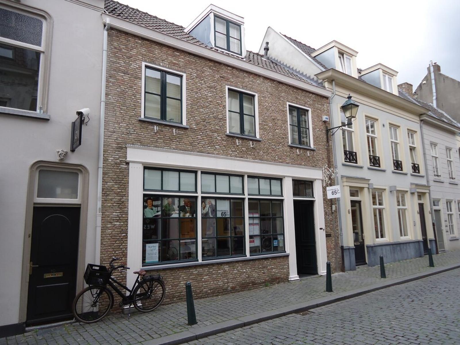 St. Annastraat 8