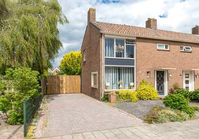 Oosterparallelstraat 47 in Stadskanaal 9501 VS