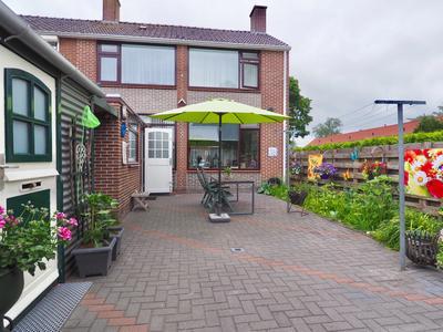 Burgemeester Van Bakkeneslaan 40 in Oude Pekela 9665 GX