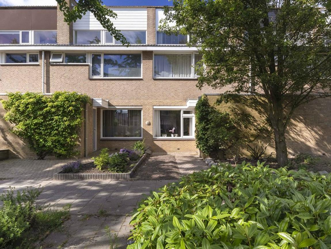 Zuster Lankhaarlaan 14 in Willemstad 4797 CH