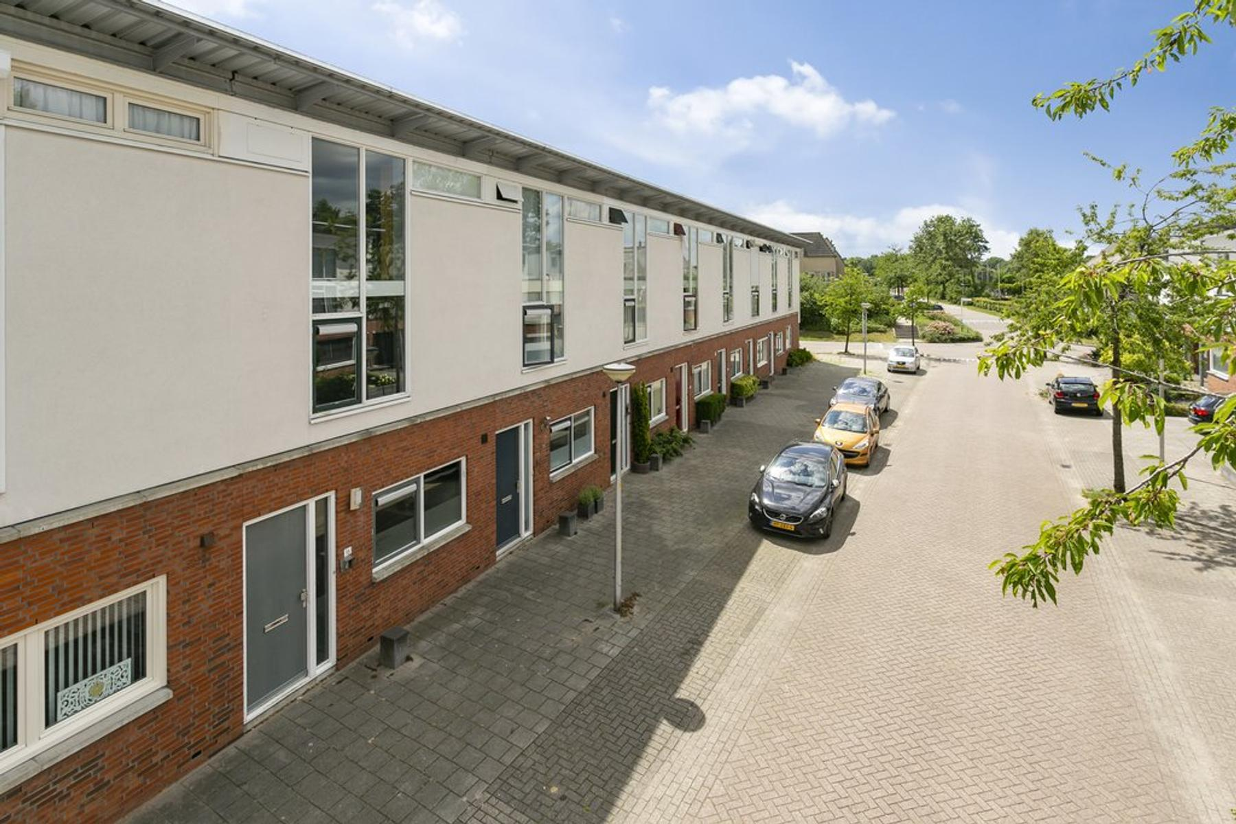Annette Versluysstraat 16 in Deventer 7421 LB