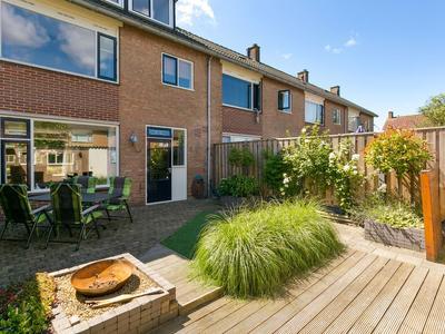 Zeestraat 17 in Zevenbergen 4761 HE