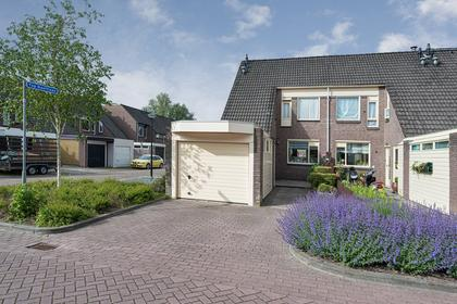 Van Bruggenlaan 1 in Heerhugowaard 1703 SV