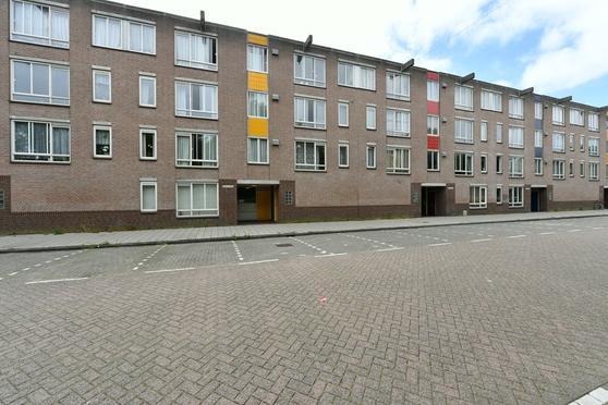Bernard Shawsingel 384 in Amsterdam 1102 VG