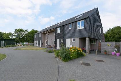 Veenhuizerhof 5 in Wapse 7983 LK