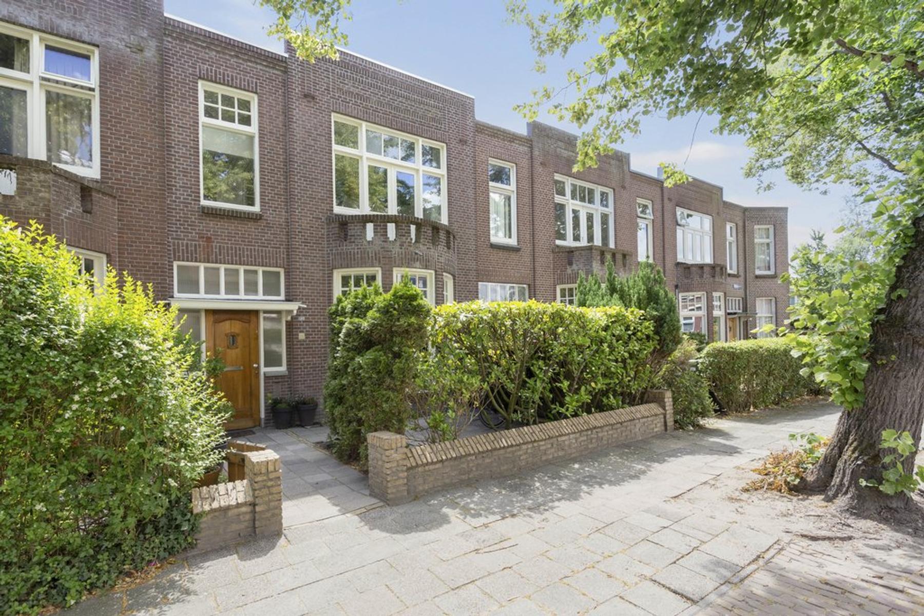 Leeuwerikstraat 15 in Leeuwarden 8917 ED