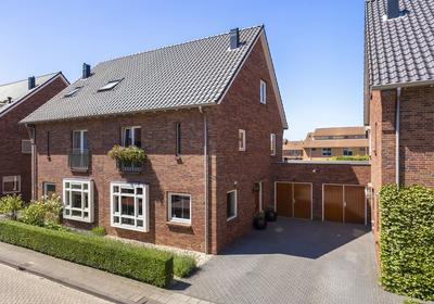 Hendrik Van Den Heuvellaan 9 in Hooglanderveen 3829 CP
