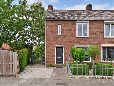 Pastoor Van Kanstraat 34 in Guttecoven 6143 AJ