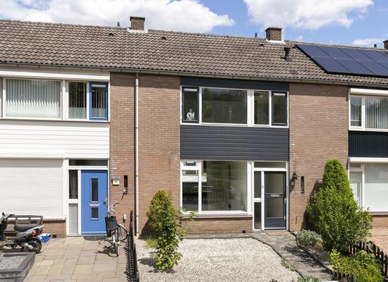 Wethouder Van Den Burgstraat 44 in Zoelen 4011 GA